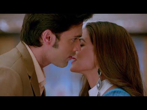 New romantic kiss😚 anurag prerna new whatsapp status video | hot kissing scene | anuper parth love